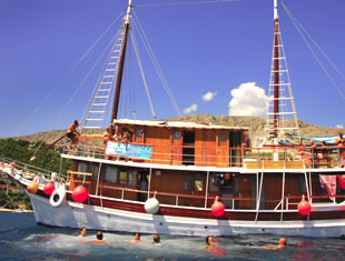 Croatia Island Hopper - Classic Standard - Below Deck